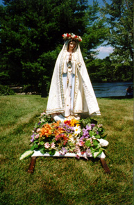 Mary by River.jpg (52216 bytes)